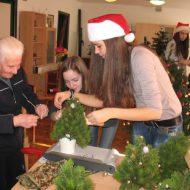 Dom Lovret - Posjet srednjoškolaca - Božic - 2012 - fotografija 1